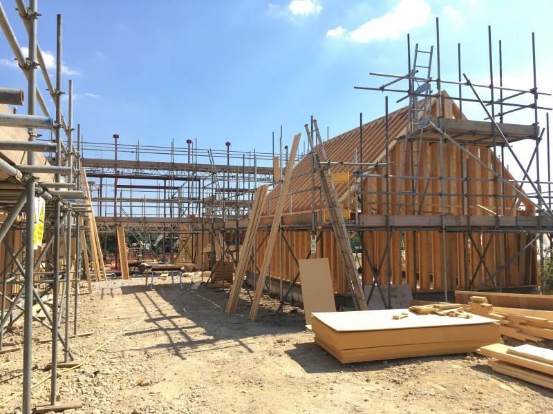 Timber Frame progresses at Viewpoint
